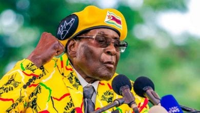 cropped-69210d357d6cd3344300cf513e55d2b9-l-ancien-president-du-zimbabwe-robert-mugabe-est-mort-l-age-de-95-ans.jpg