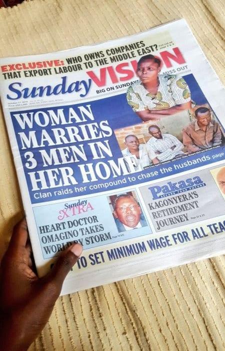 Ouganda: scène surréaliste, une femme mariée à 3 hommes