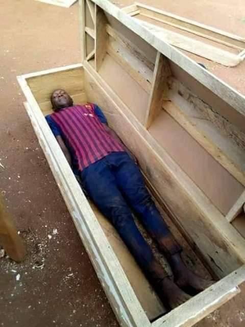 Nigeria : il prend un selfie dans un cercueil et décède le lendemain (photos)