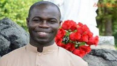 Prêtre sénégalais FCFA