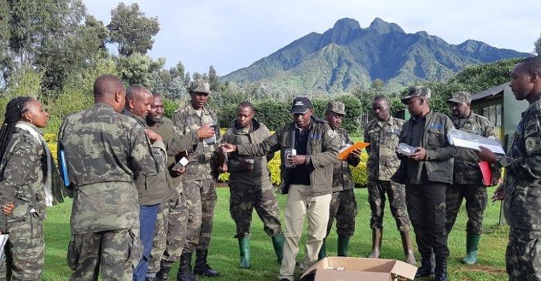 Smartphones-in-Rwanda