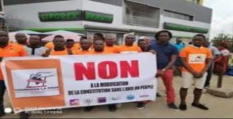 jeunes contre modif constitution