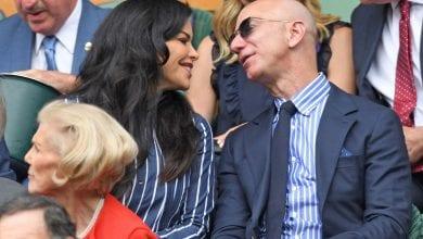 Jeff-Bezos-et-Lauren-Sanchez-affichent-leur-amour