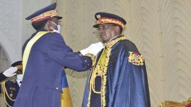 president-tchadien-Idriss-Deby-Itno-eleve-dignite-marechald-ceremonie-Assemblee-nationale-11-2020-N-Djamena_1_729_486