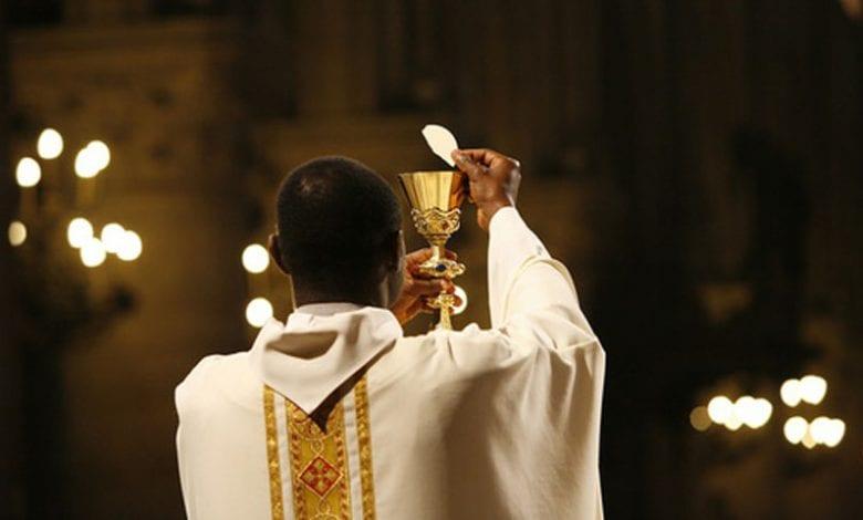 Celebration in Paris cathedral, Paris, France, Europe