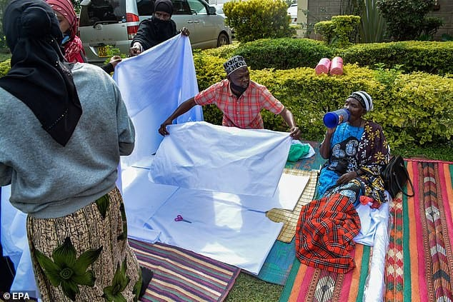 Barack Obama: sa grand-mère enterrée à l'ouest  du Kenya (Photos)