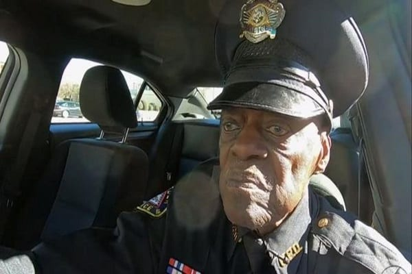 cbsn-fusion-lc-buckshot-smith-91-year-old-cop-no-plans-to-retire-thumbnail-664460-640×360