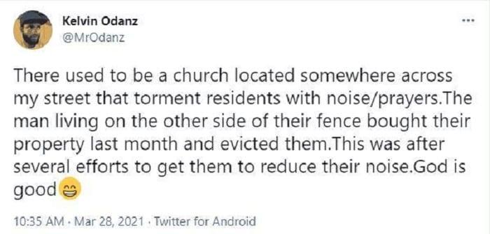 Fatigué des prières bruyantes, un homme achète une église et expulse les fidèles