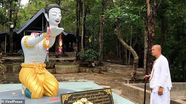 Thaïlande: un moine se coupe la tête en offrande à Bouddha pour être réincarné