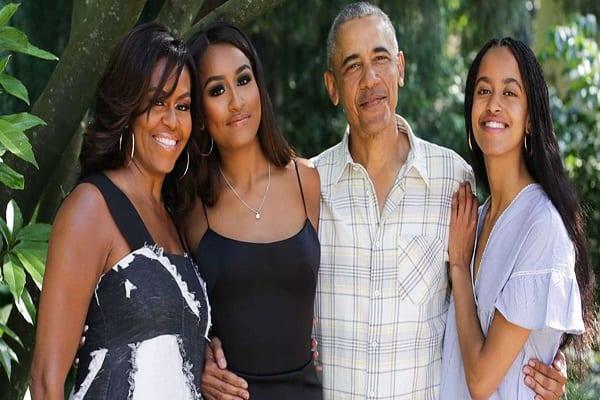 obama-family-instagram-today-main-191210-1518001
