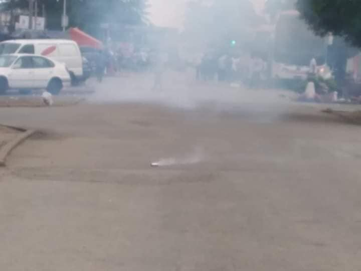 Côte d'Ivoire/ Arrivée de Laurent Gbagbo : ses partisans déjà gazés par la police à Port-Bouët