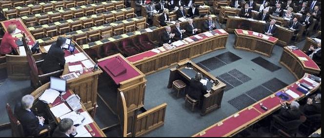 Hongrie/ Adoption d'une loi interdisant la promotion de l'homosexualité chez les mineurs