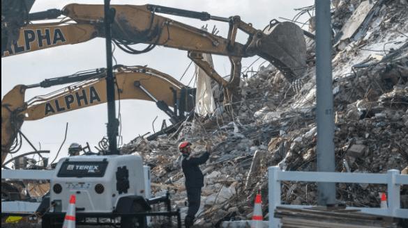 Immeuble effondré en Floride: le bilan s'élève à 16 morts