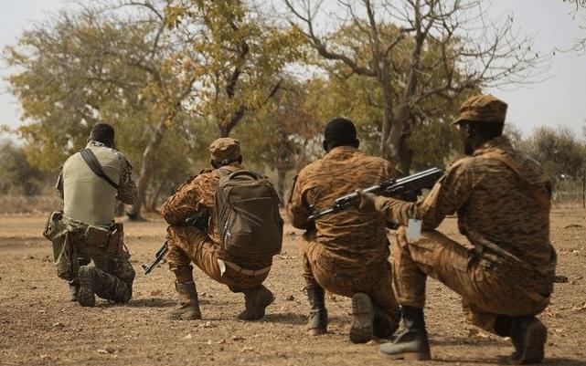 Insécurité: une dizaine de policiers tués au Burkina-Faso