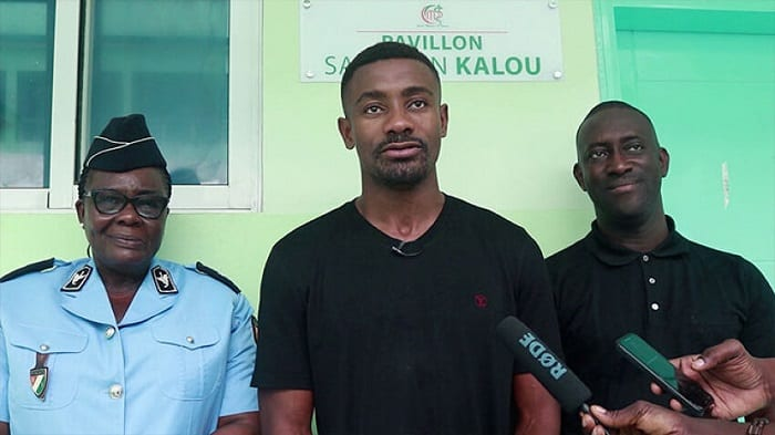 La fondation Salomon kalou offre 10 appareils de Dialyse au centre médical policier de Yopougon