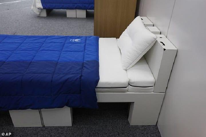 JO Tokyo: les athlètes dormiront sur des lits en carton pour les empêcher de se livrer à des activités sexuelles