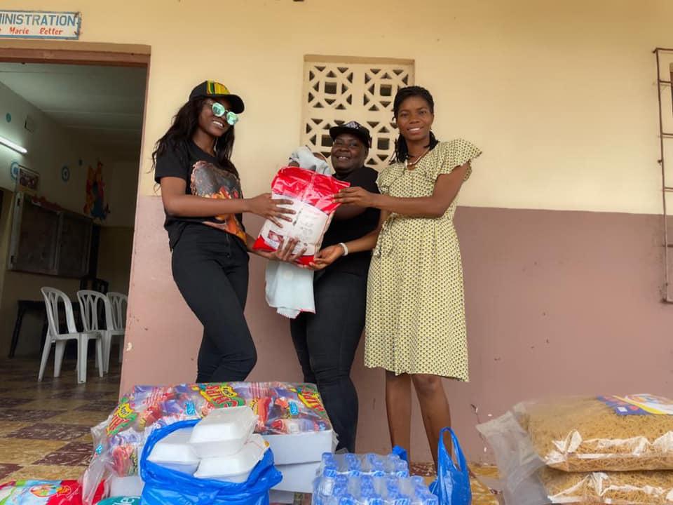 Côte d'Ivoire / Sarra Messan : son geste qui fait grimper les commentaires sur la toile