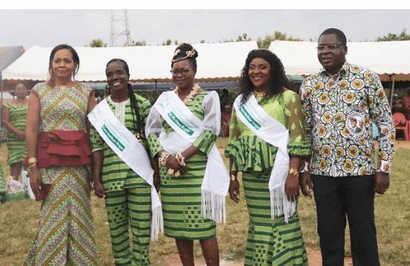 Côte d'Ivoire/ Le ministre Amédé Kouakou récompense des femmes à Divo
