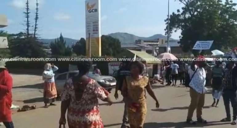 Ghana: le syndicat des commerçants ferme les magasins des étrangers dans une région